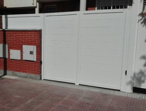 Instalación de una Puerta de Aluminio Soldado en Majadahonda.