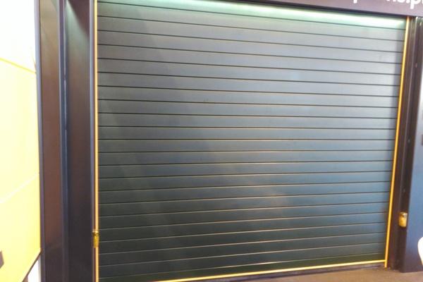 motorización puertas almacén